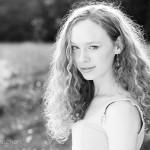zwart-wit foto van Nadia in Drenthe