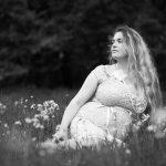 Zwangerschapsfoto in het bos