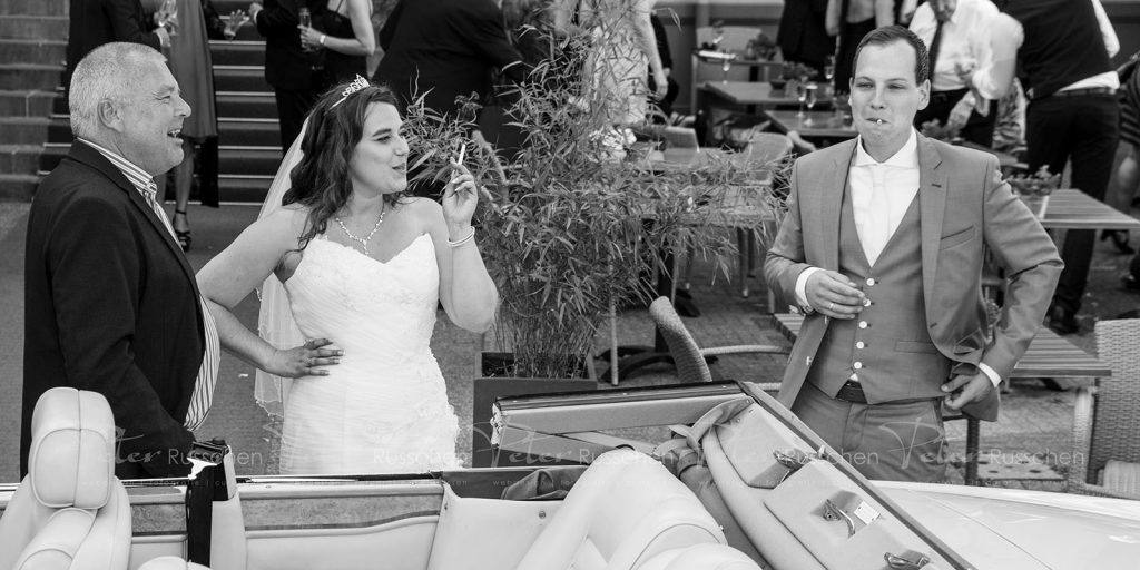 Bruiloft, even rookpauze